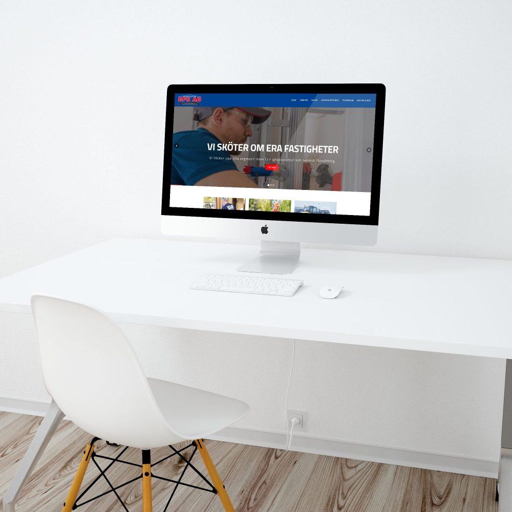 Ny hemsida i WordPress på datorskärm